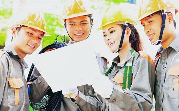 Lắp mạng FPT bao gồm 2 dịch vụ Cáp quang FPT và Truyền hình